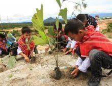 Aksi Penanaman 5000 Pohon di Kawasan Relokasi Siosar