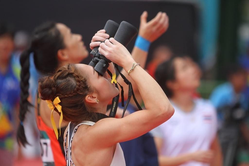 Sejumlah atlet panjat tebing mengamati jalur panjat pada babak kualifikasi kombinasi lead putri Asian Games 2018 di Arena Panjat Tebing Jakabaring, Palembang, Sumatera Selatan, Sabtu (25/8). ANTARA FOTO/INASGOC/Rahmad Suryadi/nym/18