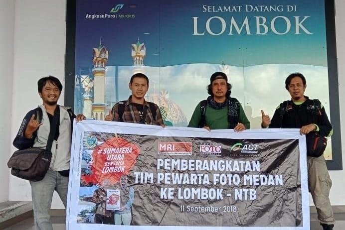 Pengurus PFI Medan (dari Kiri) Hermansyah, Hendra Broetal, Risky Cahyadi dan Marketing Communication ACT Ilham saat tiba di Lombok, Nusa Tenggara Barat, Selasa (11/09). (Dok PFI Medan)